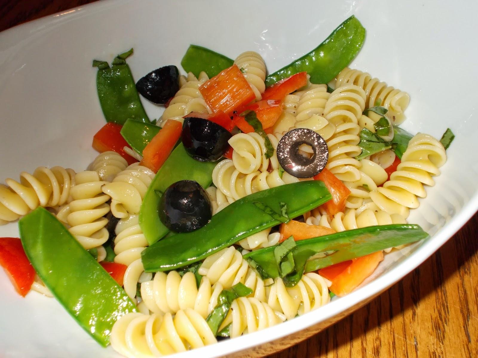 manger avec mo salade de p tes l 39 italienne. Black Bedroom Furniture Sets. Home Design Ideas
