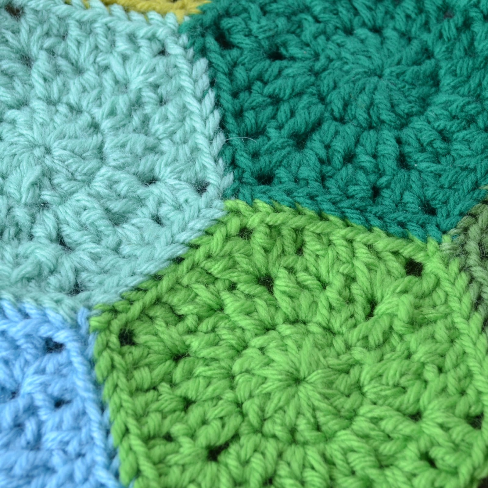 Crocheting Hexagons : Crochet in Color: Hexagon Pattern