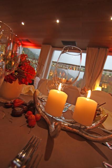 Herbst-Hochzeit, silberne Geweih-Kerzenhalter