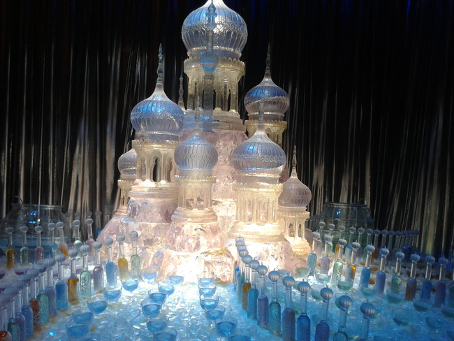 11.) Prince Ice-y mighty is he! - Amazing Ice Sculptures That Put Edward Scissorhands To Shame.