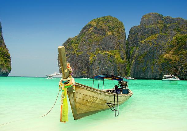 من أروع الشواطئ في العالم على خورة فقط ! phiphi.png