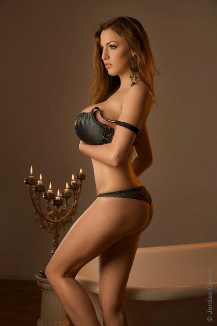 Jordan Carver Erotic Nude