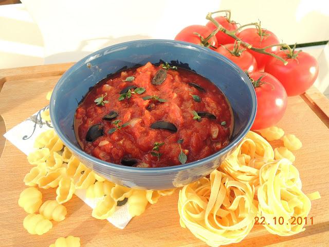 Hjemmelaget pastasaus med cherry tomato salsa