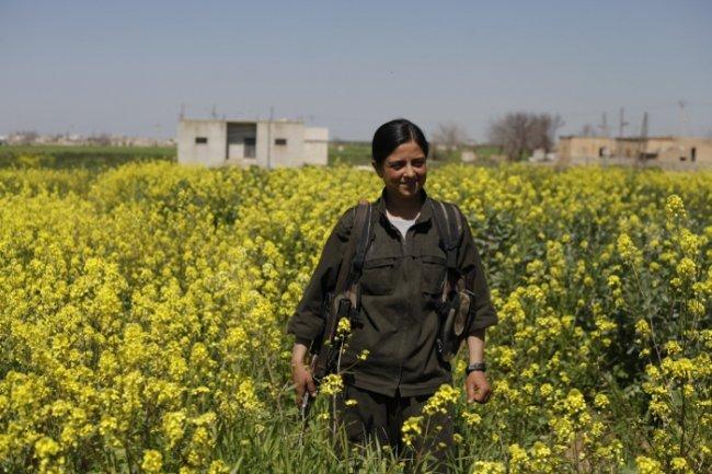 Isis, l'esercito curdo conquista valico tra Turchia e Siria