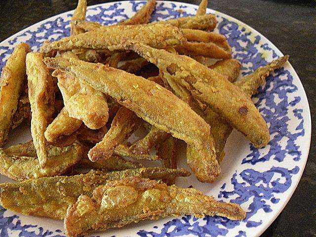 Deep Fried Smelt Deep-fried turmeric smelts