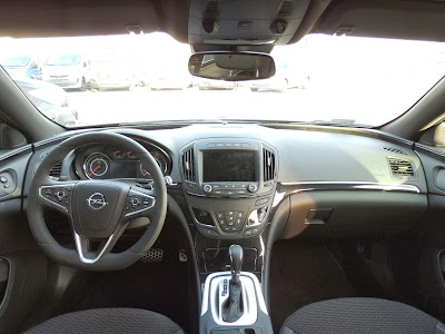 Opel Insignia - wnętrze