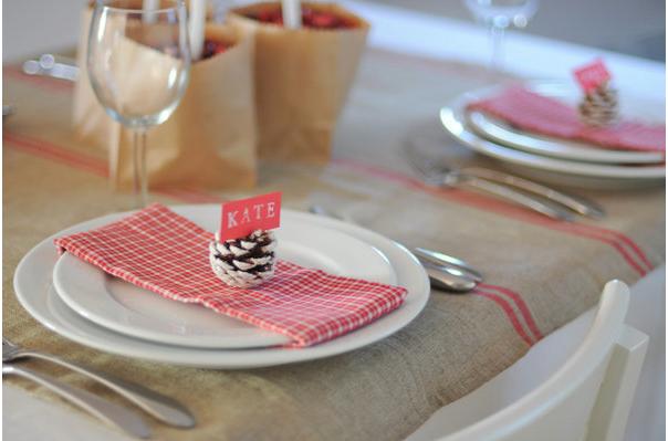 Una mesa de navidad elegante y sencilla for Mesa de navidad elegante