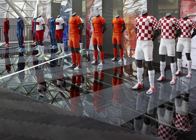 Tenues officielles des 5 équipes Nike engagées à l' Euro 2012