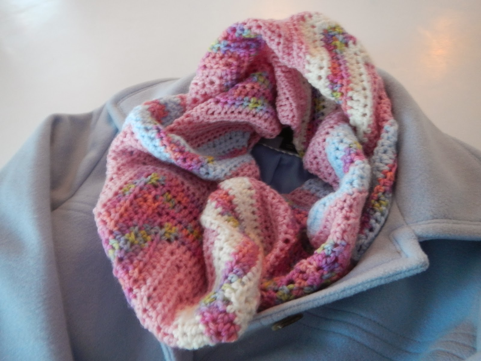 Apple Blossom Dreams: Chevron Infinity Scarf in HDC - Pattern and ...