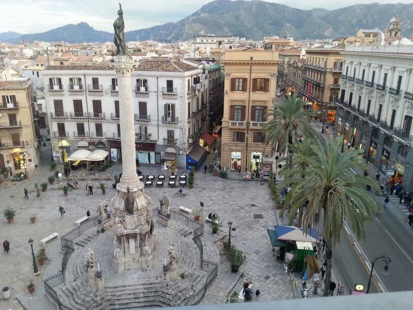 Postillare Rivista: Vista su piazza San Domenico, dalla terrazza ...