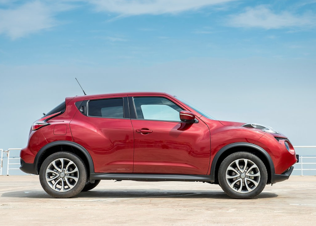 2015 Nissan Juke red