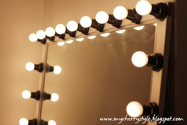diy hollywood style mirror with lights tutorial from scratch for real my cherry style. Black Bedroom Furniture Sets. Home Design Ideas
