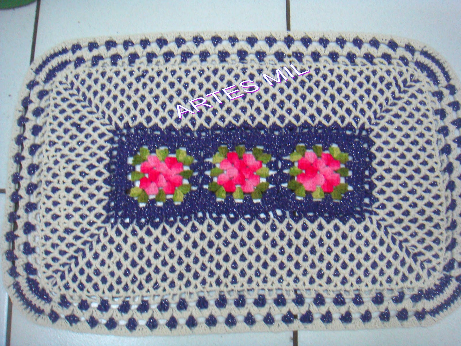 Artes mil artesanatos e cursos tapetes em croche for Clases de tapetes
