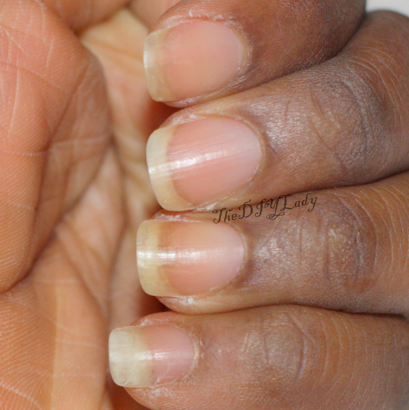 The Do It Yourself Lady: Review: Pure™ Nail and Cuticle Oil