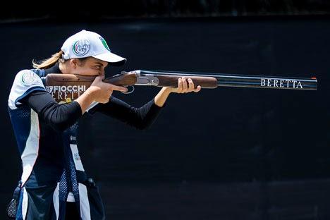 Jessica Rossi (Itália) - Fossa Olímpica - Atiradora do Ano de 2013 pela ISSF - Foto: Divulgação/ISSF