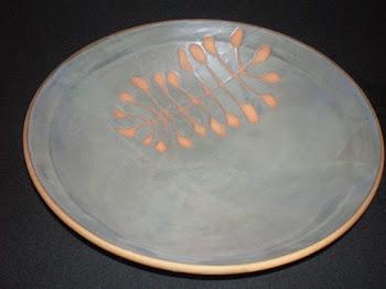 BOWL CERAMIC (pieza realizada en torno alfarero y decorada con  la tecnica de reserva.)