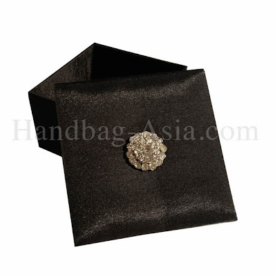 http://handbag-asia.com/black-Thai-silk-gift-favor-boxes.htm