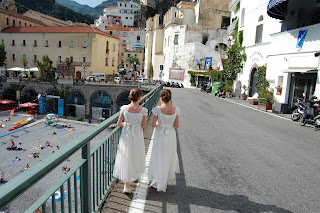 Wedding in Amalfi walking to the church
