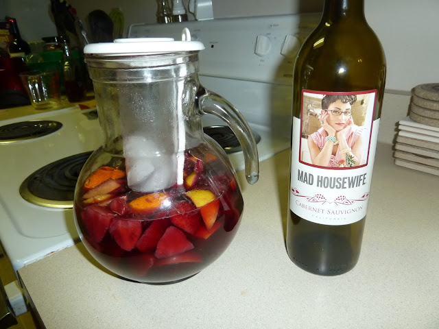 mad housewife makes yummo sangria