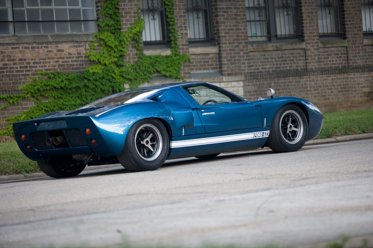 ford gt40 road coupe life in the fast lane. Black Bedroom Furniture Sets. Home Design Ideas