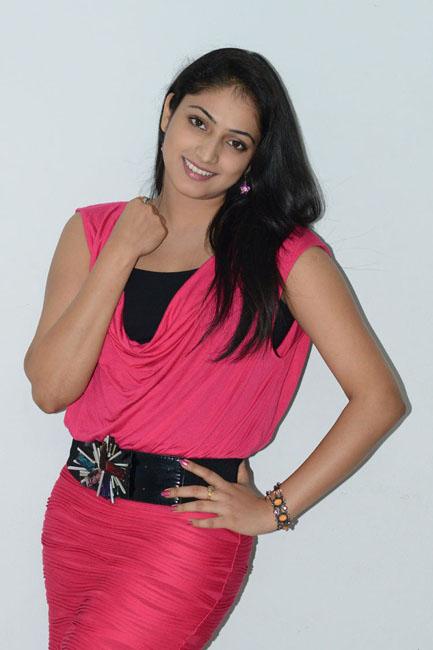 Superb Haripriya looking rosy latest photo gallery