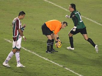 Fluminense 3 x 1 LDU - 2008