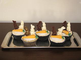 Cupcake com chocolate para páscoa