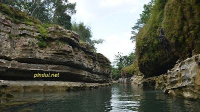 Tebing Tinggi Sungai Oyo