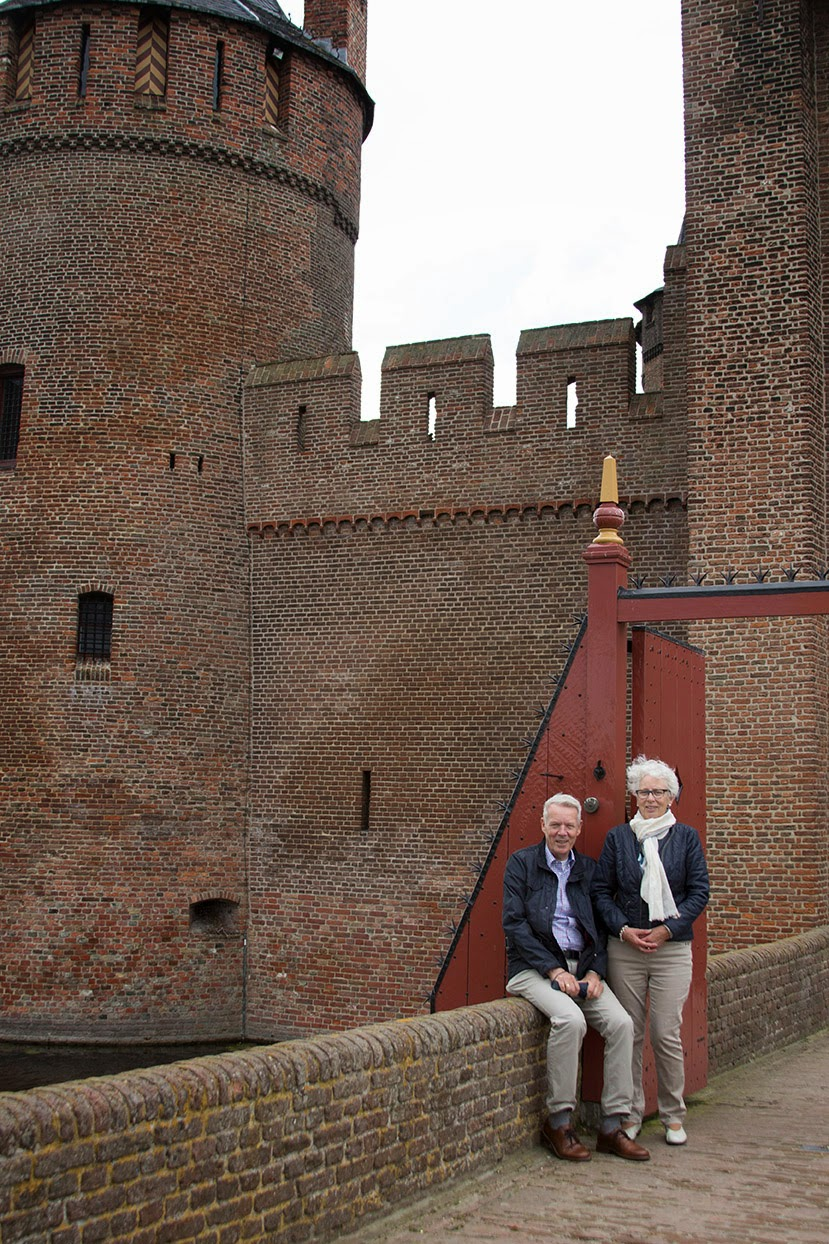 my parents at the entrance of Castle Muiderslot