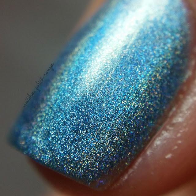 swatcher, polish-ranger | Glisten & Glow Blue Hawaiian macro