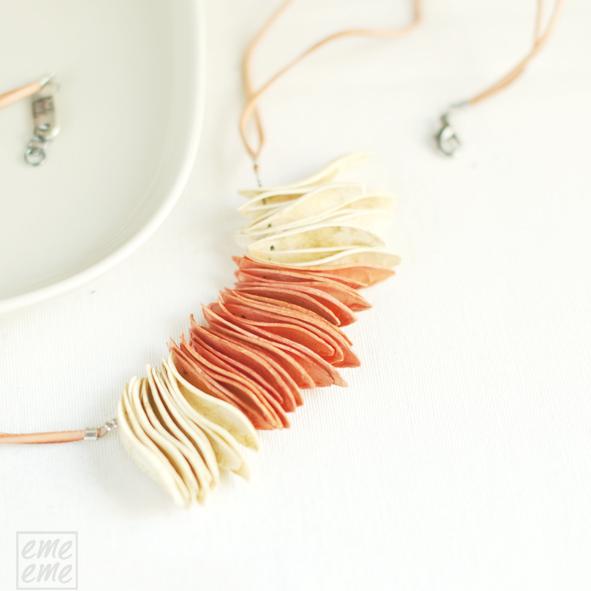 Collares semillas moradas Cedrella Calantas de emeeme en Etsy y Dawanda, Purple Necklace