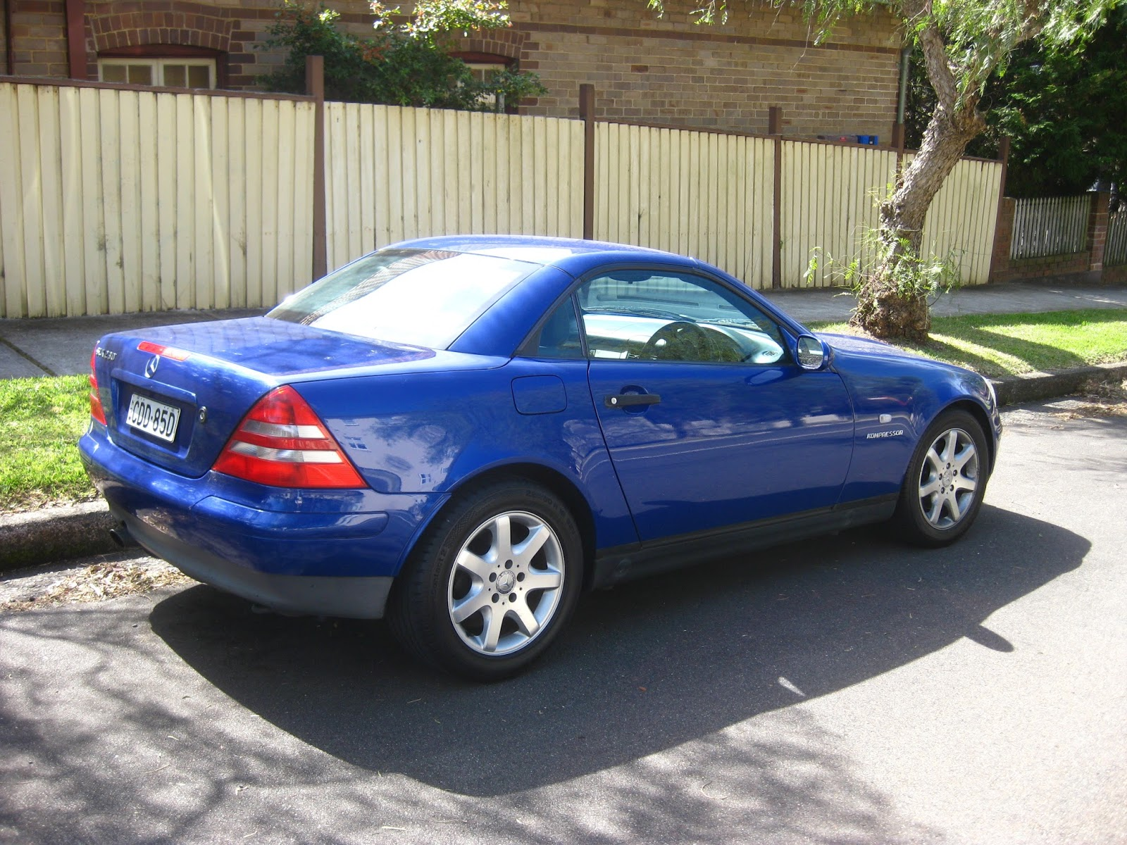 aussie old parked cars 1997 mercedes benz r170 slk 230. Black Bedroom Furniture Sets. Home Design Ideas