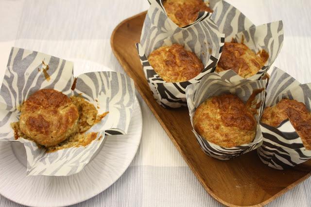 Juures-gorgonzolamuffinit aamiaispöytään