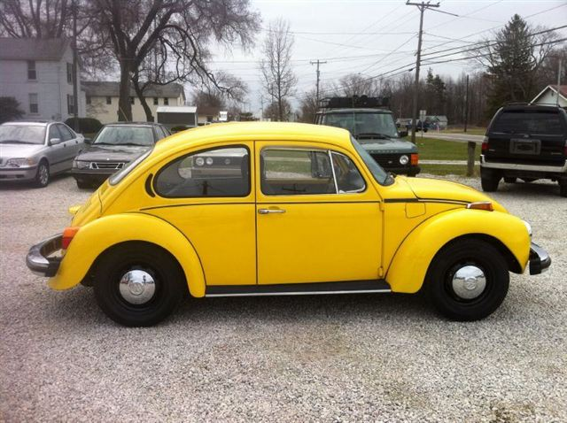volkswagen beetle of a 1974 yellow vw beetle. Black Bedroom Furniture Sets. Home Design Ideas