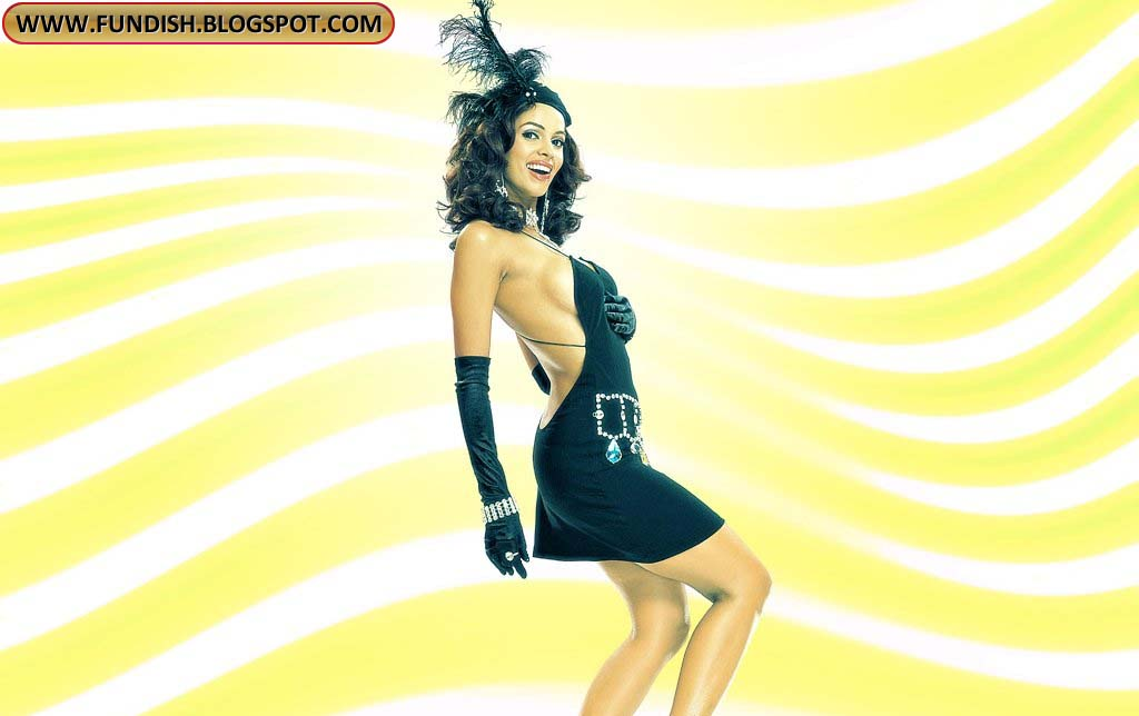 wallpapers mallika sherawat bikini - photo #44