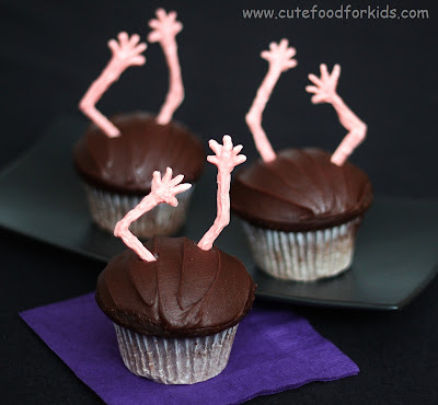 """Cute Food For Kids"" : Spooky Zombie Cupcakes"