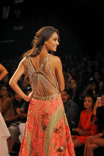 Actress Model Lisa Haydon Pictures at Lakme Fashion Week Jade Show 3