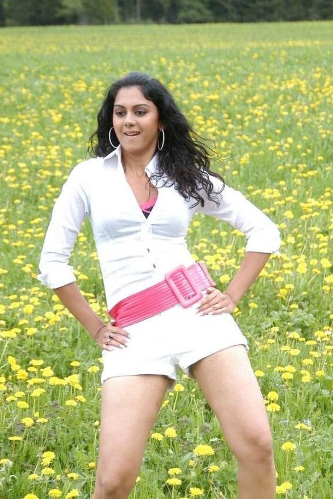 South Indian Romantic Pics Kamna Jethmalani Hot