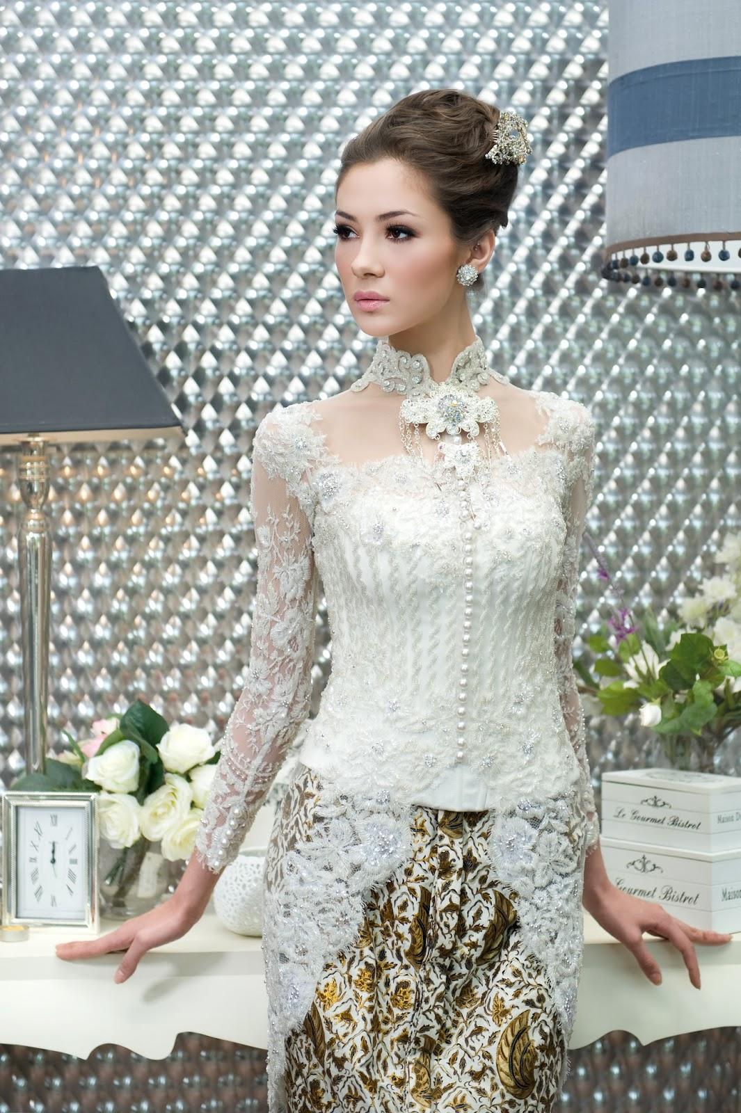 Model Kebaya Modern Pernikahan Elegan Putih