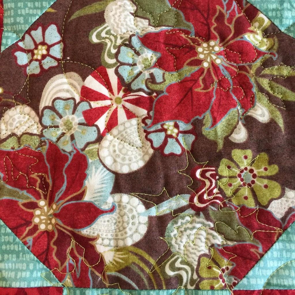 String Of Lights Quilt : UpStairsHobbyRoom: #7 Sew Sweet Simplicity BOM Block #1