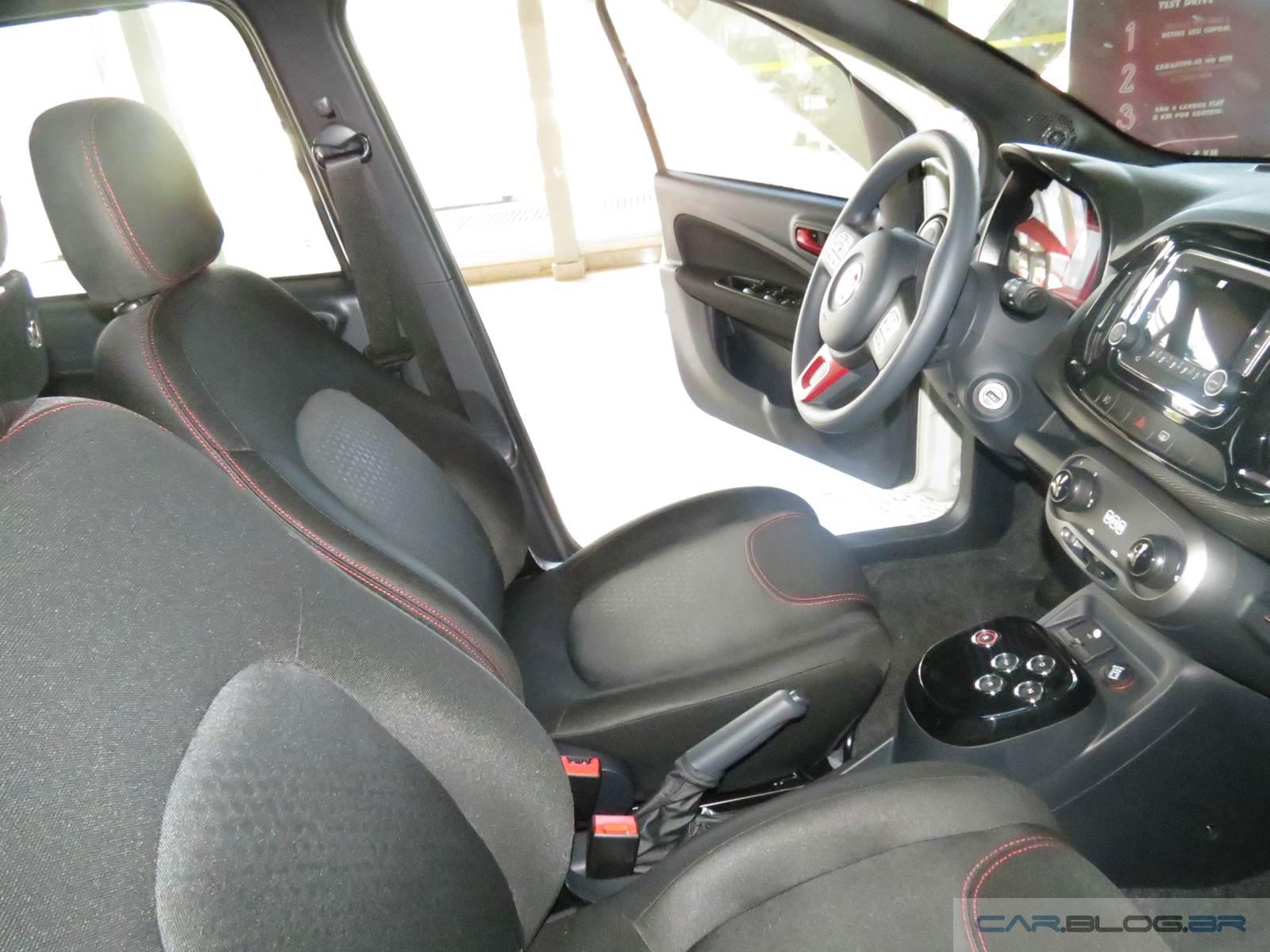 Fiat Uno Sporting Dualogic 2015 - interior