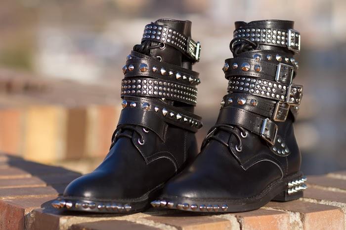 Botas de tachuelas y pinchos estilo YSL