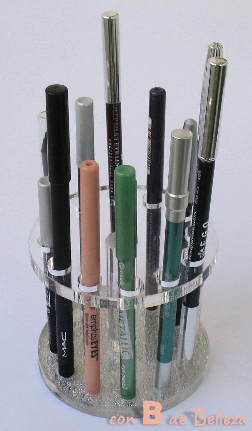 Ordenar lápices de ojos y labios