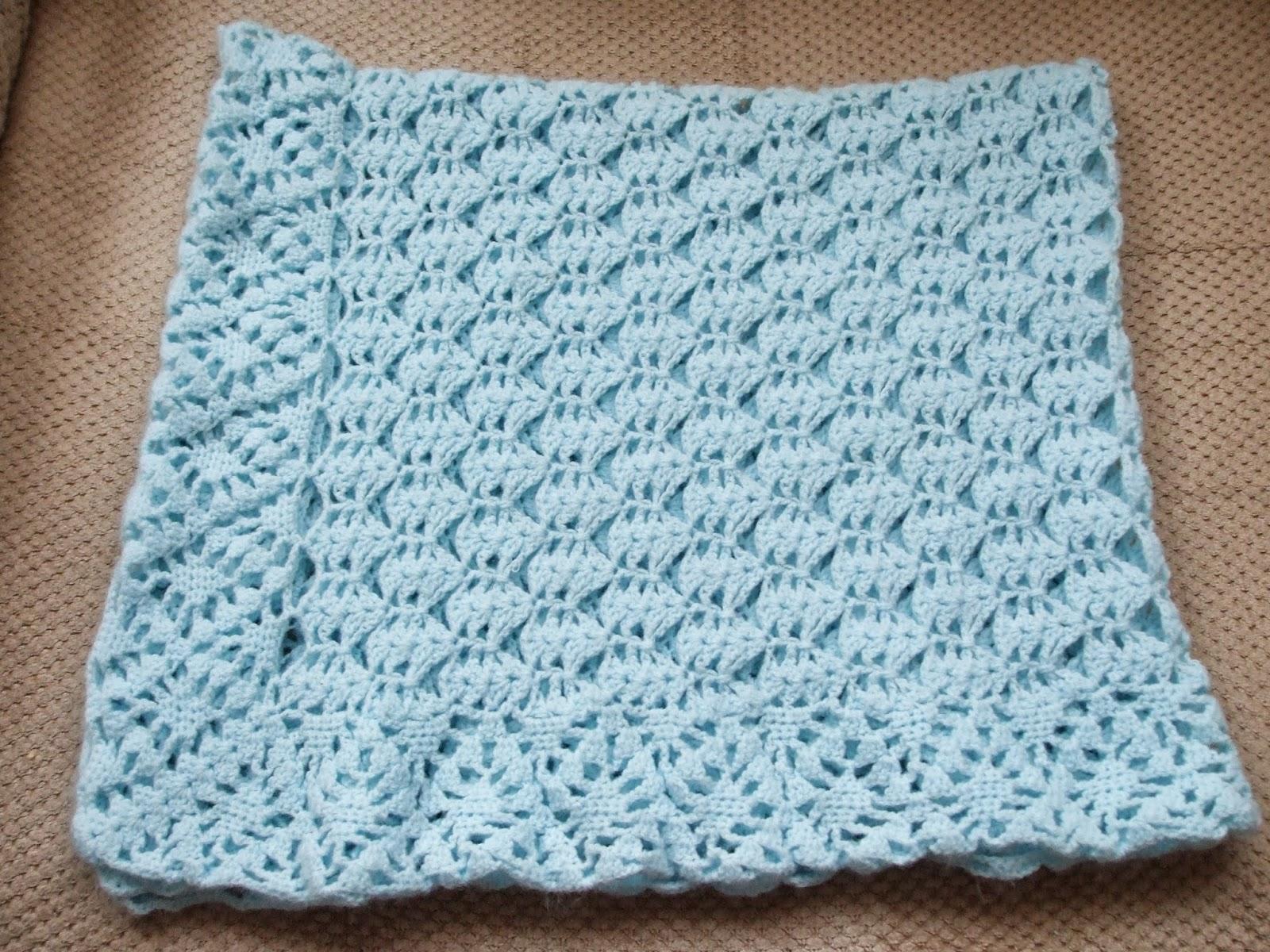 la tricotosa: Toquilla para bebé