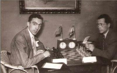 Partida de ajedrez G. A. Romero (derecha) - José Vinagre (izquierda) en 1951
