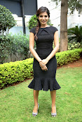 Samantha latest photos in black-thumbnail-11