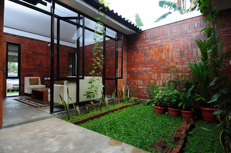 Ide dalam Membuat Taman Belakang Rumah