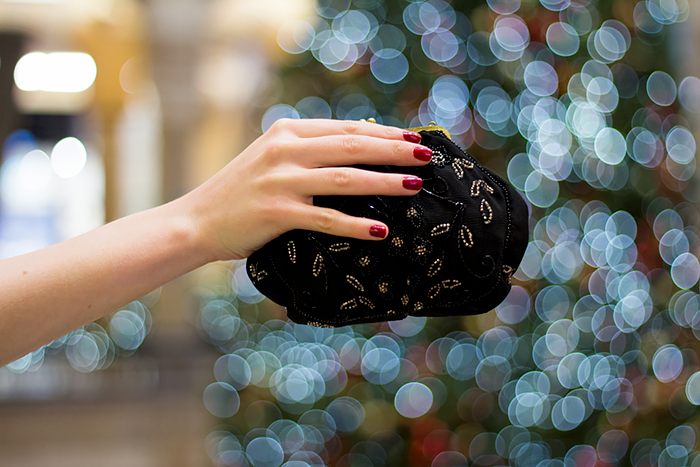 Fashion Blogger Christmas Outfit with a vintage embroidered sequin bag