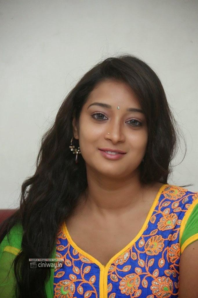 Bhanu-Sri-Stills-at-Nani-Bujji-Bangaram-Movie-Audio-Launch