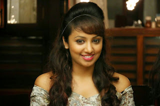 Tejaswi cute stills from movie Natpathigaram